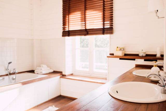 Salle-de-bains-chambre-dufy-castel-jolly-rennes