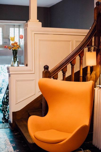 maison d'hôtes design fauteuil egg