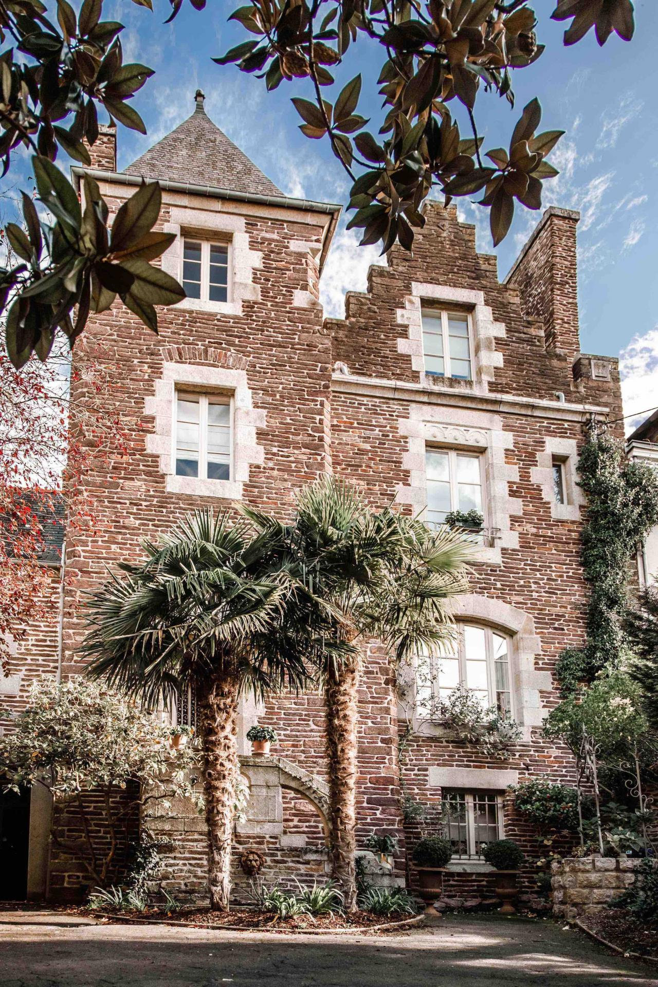 Castel jolly rennes bed and breakfast 1