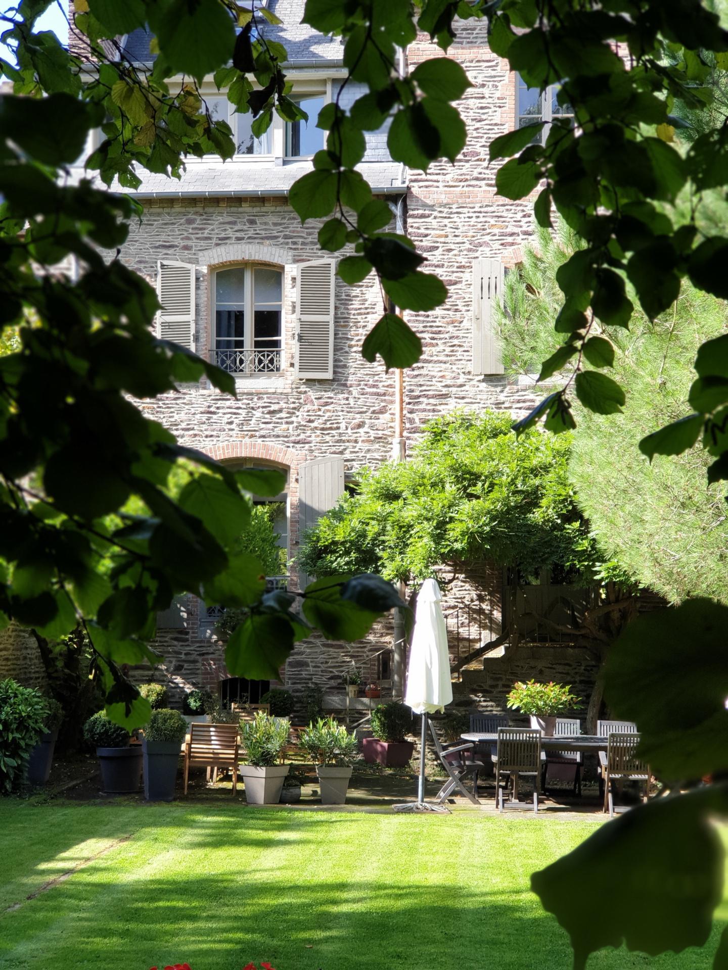 Jardin castel jolly maison d hotes rennes